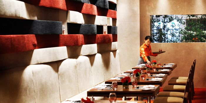 Interior of Red Orange at Crown Plaza in Xibahe