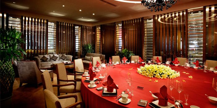 Interior of JUN Chinese Restaurant in Crown Plaza in Xibahe