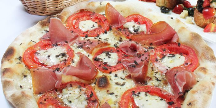Parma Ham Pizza from Palatino Roman Cuisine in Former French Concession in Shanghai