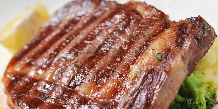 Steak from Bella Napoli (Nanhui Lu) in Jingan, Shanghai