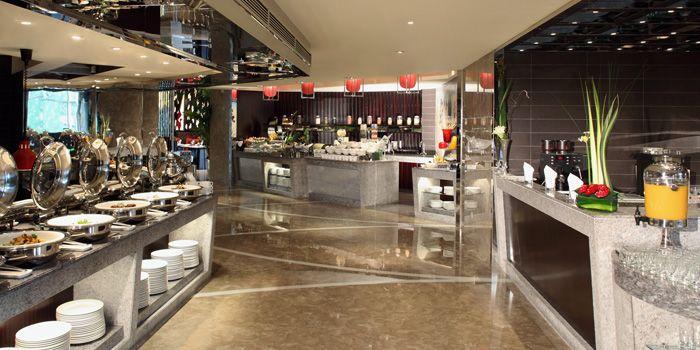 Buffet Area of Elements in Grand Kempinski Hotel Shanghai, Pudong, Shanghai