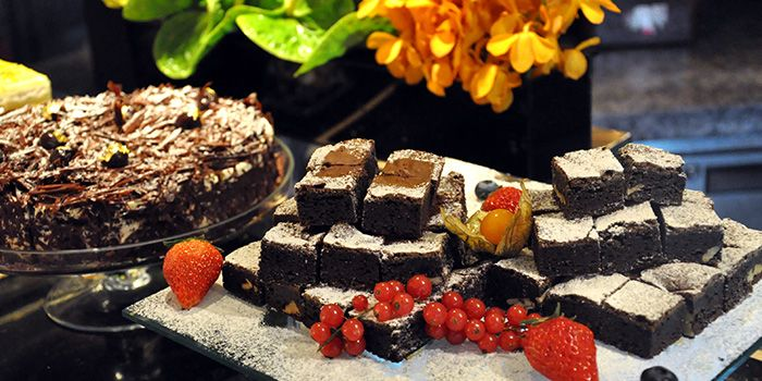 Dessert Spread from Elements in Grand Kempinski Hotel Shanghai, Pudong, Shanghai