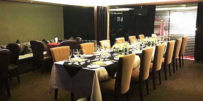 Private Room of Moon's Steakhouse in Jing