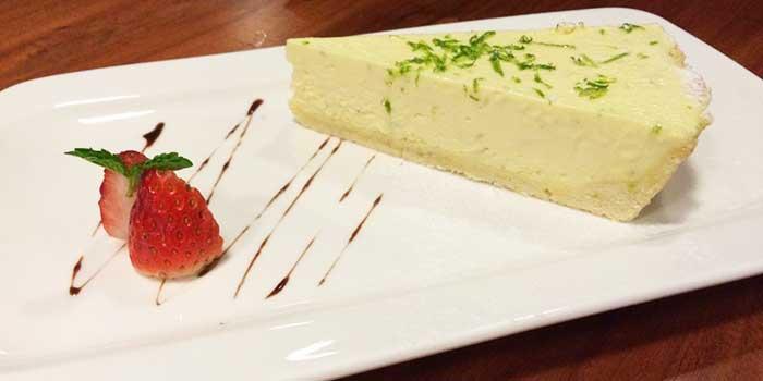 Cheesecake from Hog's Breath Cafe in SOHO Fuxing Plaza, Shanghai