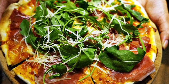 Pizza Ham Arugula from JustGrapes in Dagu Lu, Shanghai