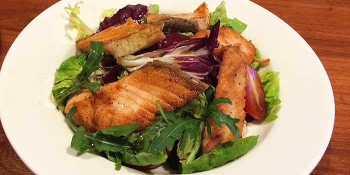 Salmon Salad from Hog's Breath Cafe in SOHO Fuxing Plaza, Shanghai