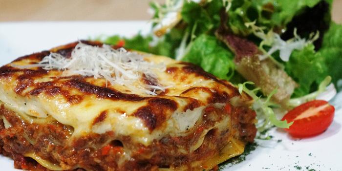 Lasagna from JustGrapes in Dagu Lu, Shanghai