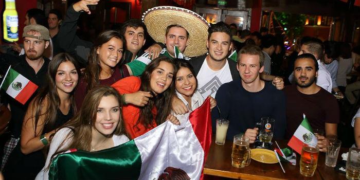 Zapatas Bar Interior
