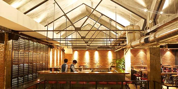 Interior of Dr. Beer (Gubei) in Gubei, Shanghai