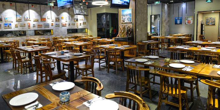 Indoor of TUK located on Wanhangdu Lu