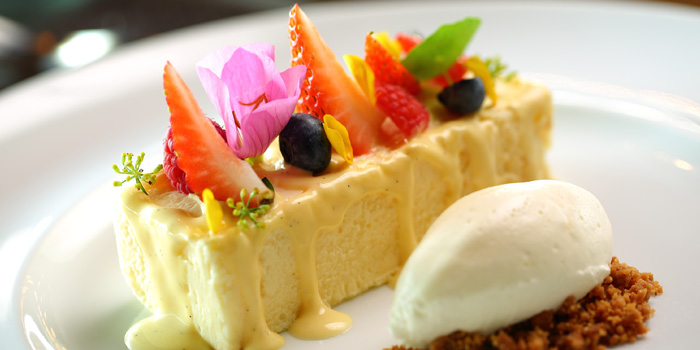 Dessert of 1515 West Chophouse & Bar located in Shangri-La Jing