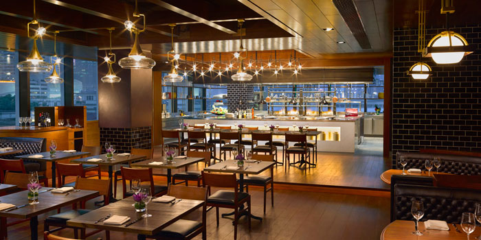 Indoor of 1515 West Chophouse & Bar located in Shangri-La Jing