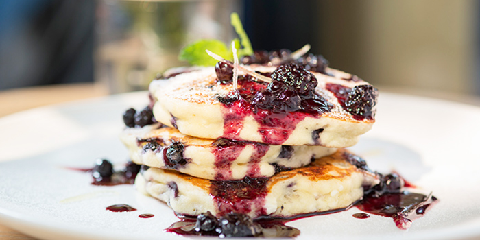 Blueberry Lemon-Ricotta Pancakes from Al