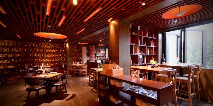 Indoor of Fumo Wine Bistro located on Xinle Lu, Xuhui District, Shanghai