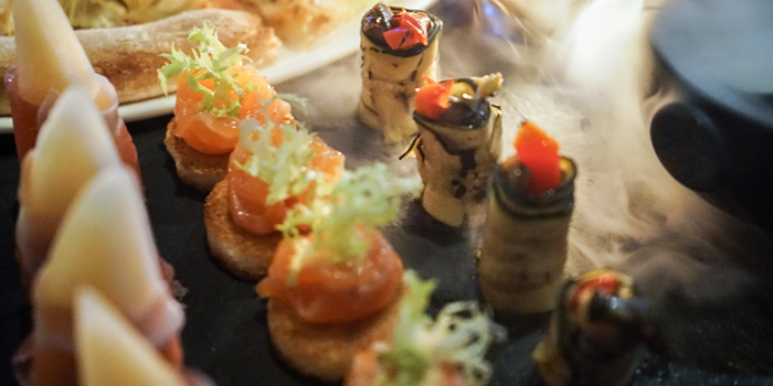 Food of The Fellas located on  Yan
