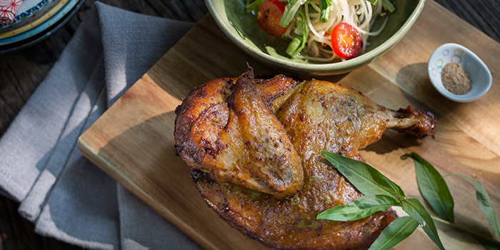 Crispy honey herbed chicken from Ginger Modern Asian Bistro located in Xuhui, Shanghai