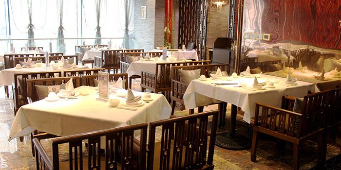 Interior of Crystal Jade Restaurant (Takashimaya) located in Hongqiao, Shanghai