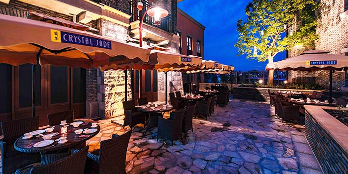 Outdoor Seating of Crystal Jade Restaurant (Disneyland) located in Pudong, Shanghai
