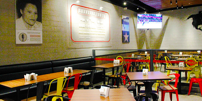 Seating Area of Fatburger (Shanghai Tower) located in Pudong, Shanghai