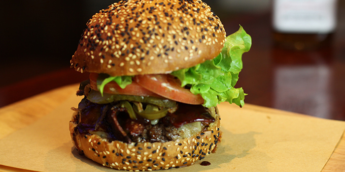 Burger from The Blind Pig Bourbon & Smokehouse located in Hongqiao, Shanghai