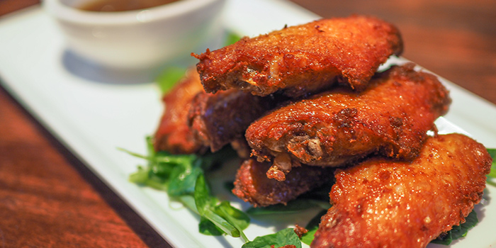 Chicken Wings from The Caxton located in Jing
