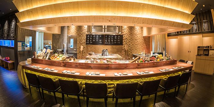 Counter bar of Takumi Robatayaki & Sake Bar (IFC) located on Century Avenue, Pudong, Shanghai