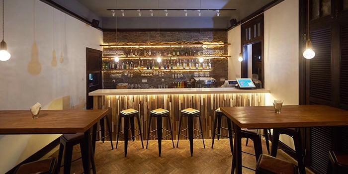 Bar of Eataly Restaurant & Bar located in Xuhui, Shanghai