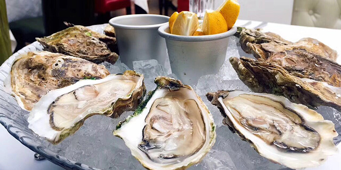 Oysters from Eataly Restaurant & Bar located in Xuhui, Shanghai