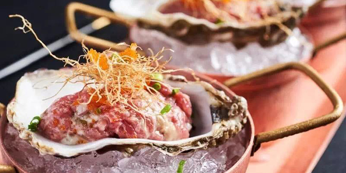 Oysters from Yun Italia located in Jing