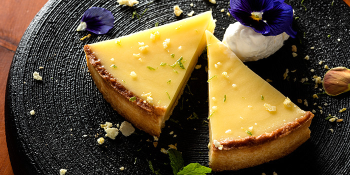 Dessert from De Carbon bar by Jenson & Hu located in Jing