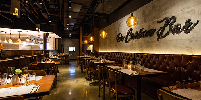 Interior of De Carbon bar by Jenson & Hu located in Jing