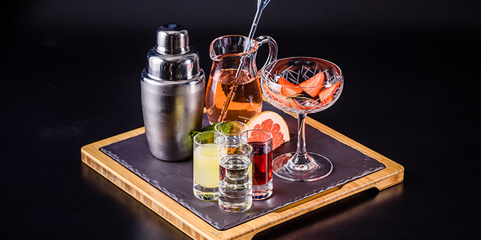 Cocktail Set from Ruiku (Wanda Reign) located in Huangpu, Shanghai