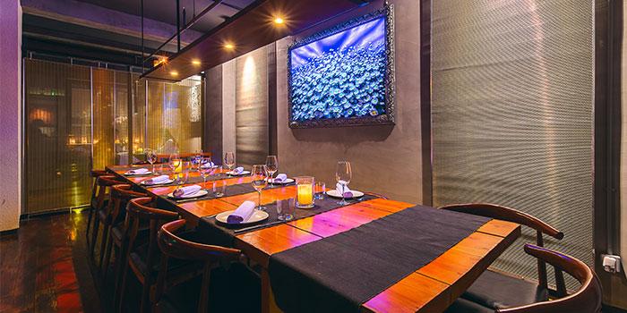 Indoors of La Casetta located in Jing