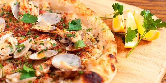 Clams Pizza from Scarpetta in Luwan, Shanghai