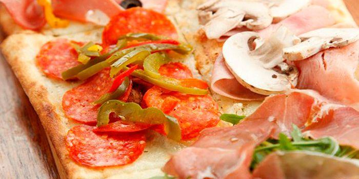 Metro Pizza from Alla Torre (Lujiazui) on Lujiazui Huan Lu, Lujiazui, Shanghai