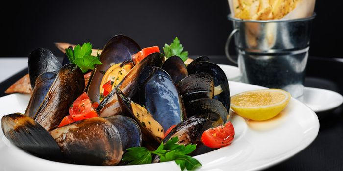 Mussels from Coquille in Luwan, Shanghai