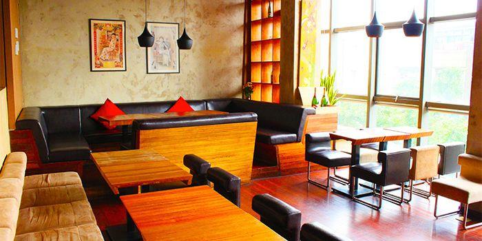 Interior of JustGrapes in Dagu Lu, Shanghai
