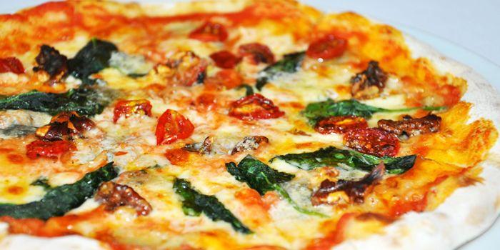 Pizza from Acqua in Grand Kempinski Hotel Shanghai, Pudong, Shanghai