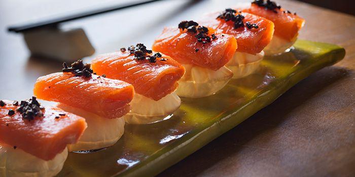 Explosive Balik Salmon from el Willy in The Bund, Shanghai