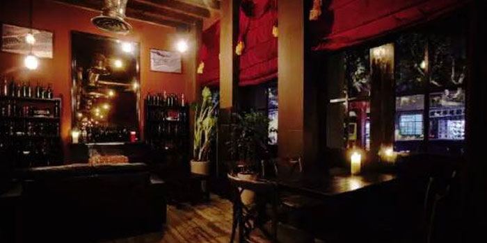View of the Uva wine bar in Jing