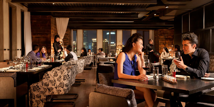 Indoor of CHAR Bar and Grill located in Hotel Indigo on The bund