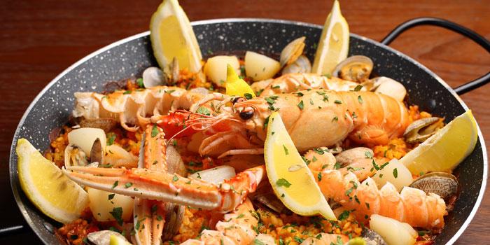 Sea food of Calypso located near Jing