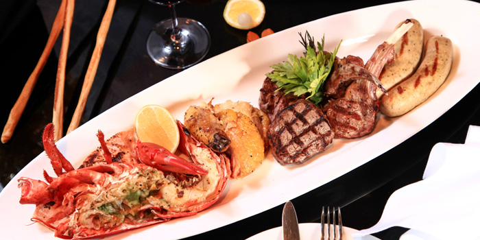 Collections of The Grill located in Grand Hyatt Pudong, Shanghai