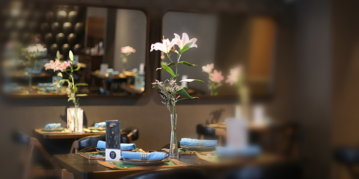 Table Setting of Gathering Clouds located in Changning, Shanghai