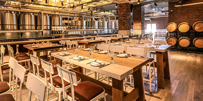 Indoor of Goose Island Brewhouse Shanghai located on Maoming Bei Lu, Jing