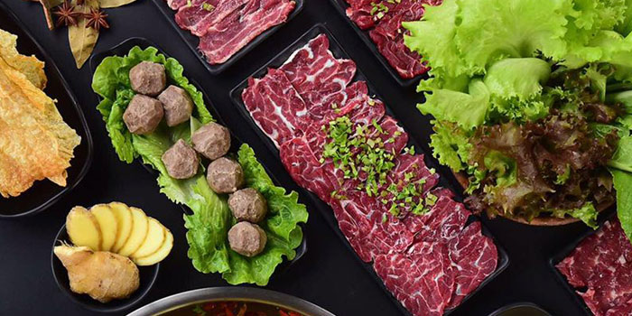 Food of Holy Cow (Star Live Plaza) located on Hongqiao Lu, Changning, Shanghai