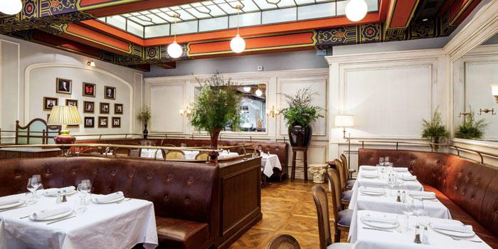 Indoor of Paris Rouge located on Yuanmingyuan Lu, Huangpu, Shanghai