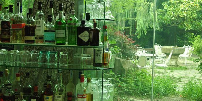 Bar of Keep It Quiet bar (Yongfoo Elite) located in Xuhui, Shanghai