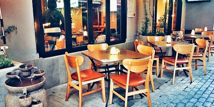 Outdoor Seating of Incline Bistro located in Minhang, Shanghai