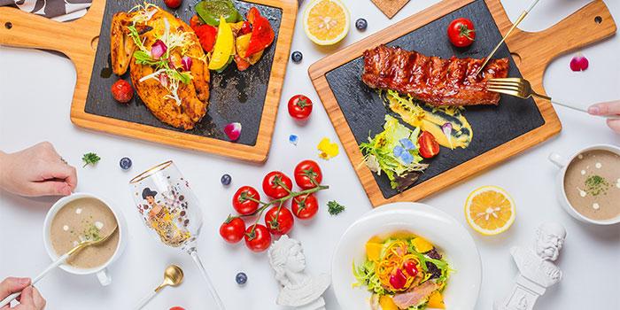 Dishes of K&K Vienna (Ruihong Lu) located in Hongkou, Shanghai